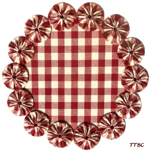 "11"" Primitive COUNTRY RED Check VTG HOMESPUN Fabric YoYo Candle Mat Table DOILY 