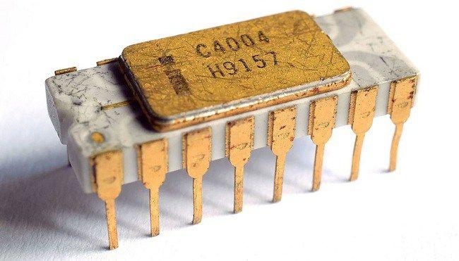 First Microprocessor: Intel 4004 – 1971