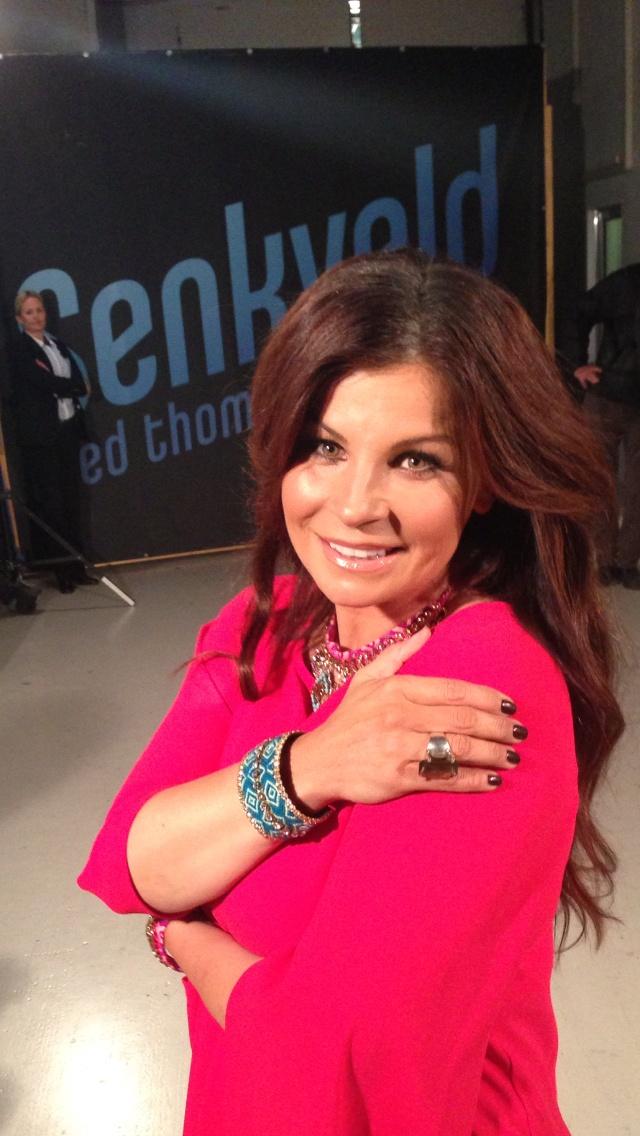 Swedish singer Carola Häggkvist wears our colorful jewellery at the late night show Senkveld.