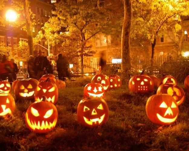 Plus, there's a lot to do, like enter a pumpkin-carving contest: