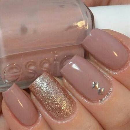 Sweet rose and rose gold loving this combo- Essie- lady like