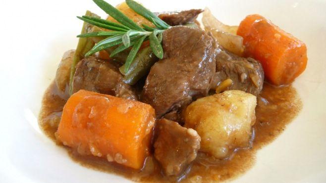 Dana Yahni Tarifi Videolu - Dana Yahni nasıl yapılır videolu, how to make beef stew video