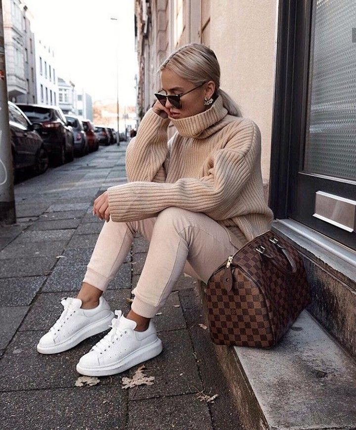 Pin By Garren Fosse On A W S T Y L E In 2020 Casual Winter Outfits Winter Fashion Outfits Trendy Outfits Winter