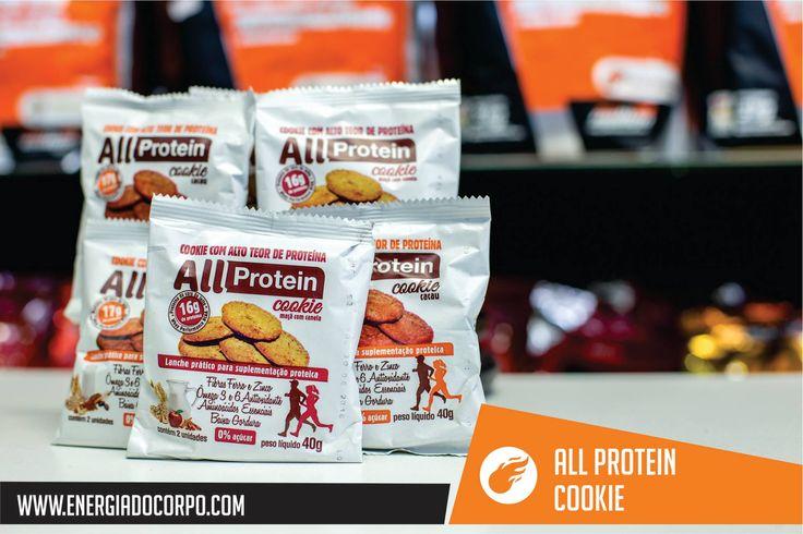 Cookies Proteicos da empresa All Protein são uma deliciosa opção para seus lanches. Os Cookies são crocantes, saudáveis e uma ótima fonte de proteínas de alta qualidade (16-17g por embalagem) auxiliando na reconstrução das fibras musculares e ganho de massa muscular. Os Cookies possuem baixo teor de sódio, são ricos em ácidos graxos essenciais (Ômega 3 e 6), fontes de fibras, zinco e ferro.  Garanta o seu pelo link: http://energiadocorpo.com.br/cookie-proteico-all-protein-40g