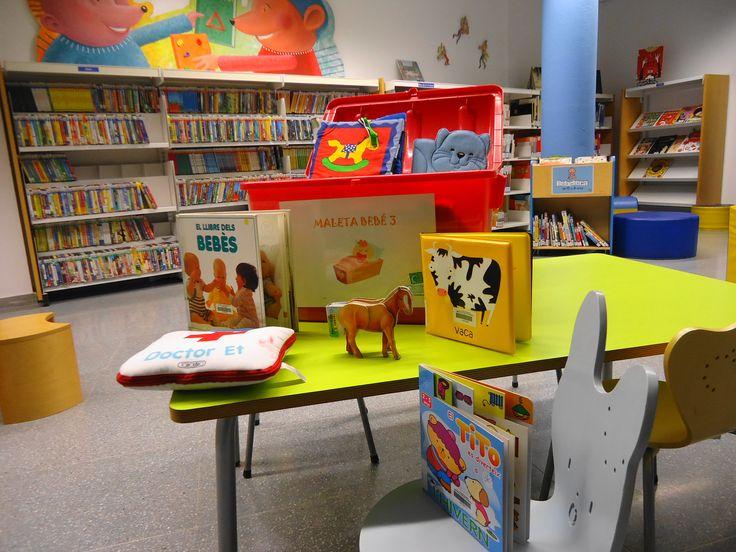 MALETA BEBÉ. Tres maletes amb molts llibres per a pre-escolar