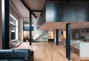Restyling project in London: former warehouse turns into a loft apartment