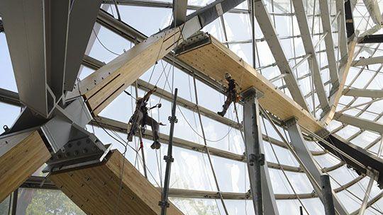 Construção do Novo Edifício da Fundação Louis Vuitton Projetado por Frank Gehry