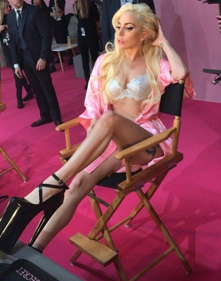 The Dreamer LDN — Lady Gaga at the VS Fashion Show 2016