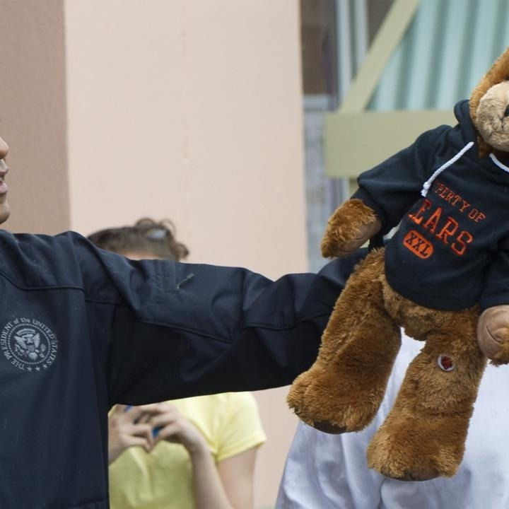 Chris Christie Won a Stuffed Bear for Barack Obama Today