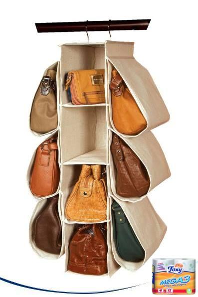 Hasta diez bolsos organizados y a mano con este invento. ¿Cómo no se le ha ocurrido a nadie antes?
