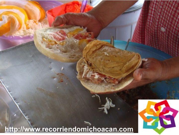 MICHOACÁN MÁGICO te invita a disfrutar de la gastronomía de Santa Clara del Cobre para que puedas probar las tortas de tostada, que es un platillo que solo preparan en la plaza principal, otros platillos típicos de aquí son el cordero, el conejo, la sopa tarasca, el borrego relleno , el pescado capeado y las típicas carnitas ¡ buen provecho ! HOTEL ESTEFANIA http://www.hotelestefania.com.mx/