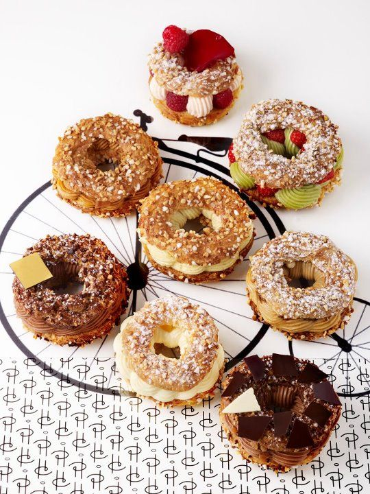 So I think this is how the French do doughnuts... Paris-Brest | Pierre Hermé