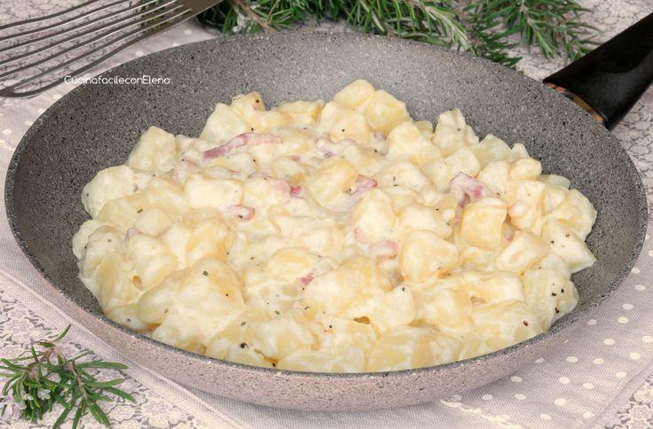 Le Patate Cremose in Padella sono una ricetta davvero golosa, facilissime e velocissime da preparare, sono pronte in 10 minuti! Sono certa che le adorerete!
