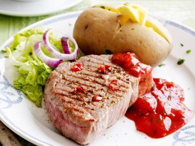 Gegrilde biefstuk met chili-tomatensaus (Libelle Lekker!)