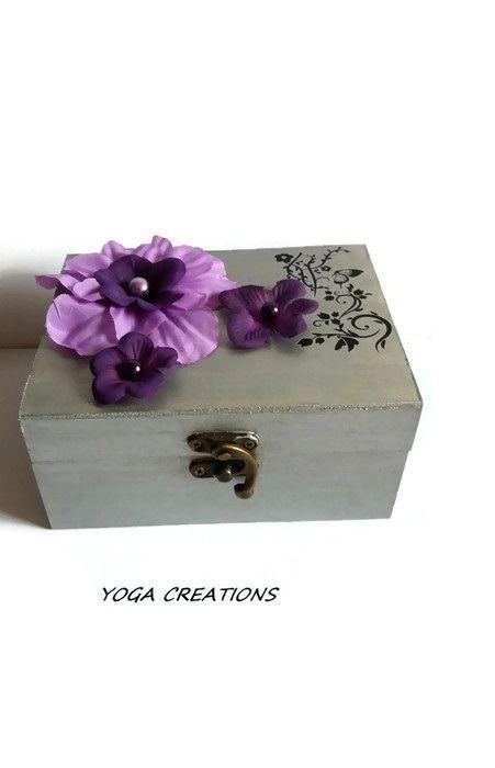 Boite à bijoux en bois couleur gris aluminium et mauve : Presentoir, boîtes par yogacreations