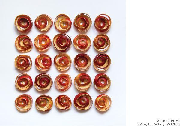 Apple Peach   Sakir Gökçebag