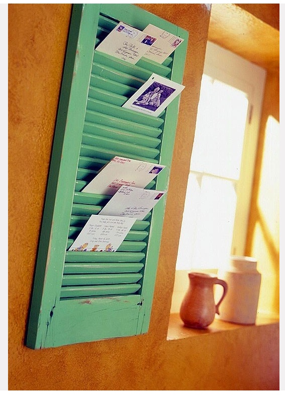 shutter for birthday cards-write in advance and go by monthChristmascards, Christmas Cards, Old Shutters, Cute Ideas, Old Windows, Mail Holders, Cards Holders, Windows Shutters, Diy Projects