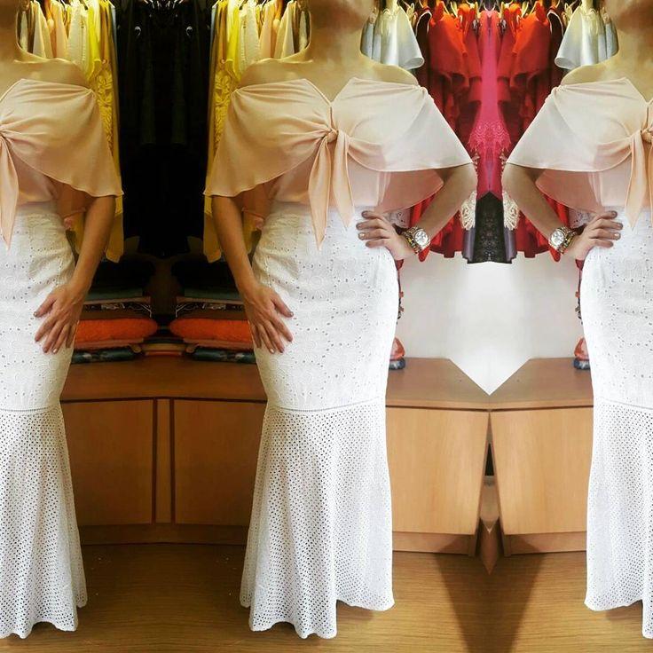 """66 Me gusta, 3 comentarios - Yadira  Coronado (@yadiracoronadodesigner) en Instagram: """"Hermoso outfit en tono blanco y rosa palo... Disponible blusa en varios tonos y tallas y falda en…"""""""