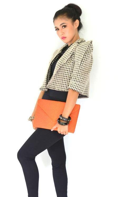Poison Ivy 5 clutch bag #clutchbag #taspesta #handbag #clutchpesta #fauxleather #kulit #snakeskin #kulitular #animalprint #envelope #amplop #fashionable #simple #messengerbag #colors #orange Kindly visit our website : www.zorrashop.com
