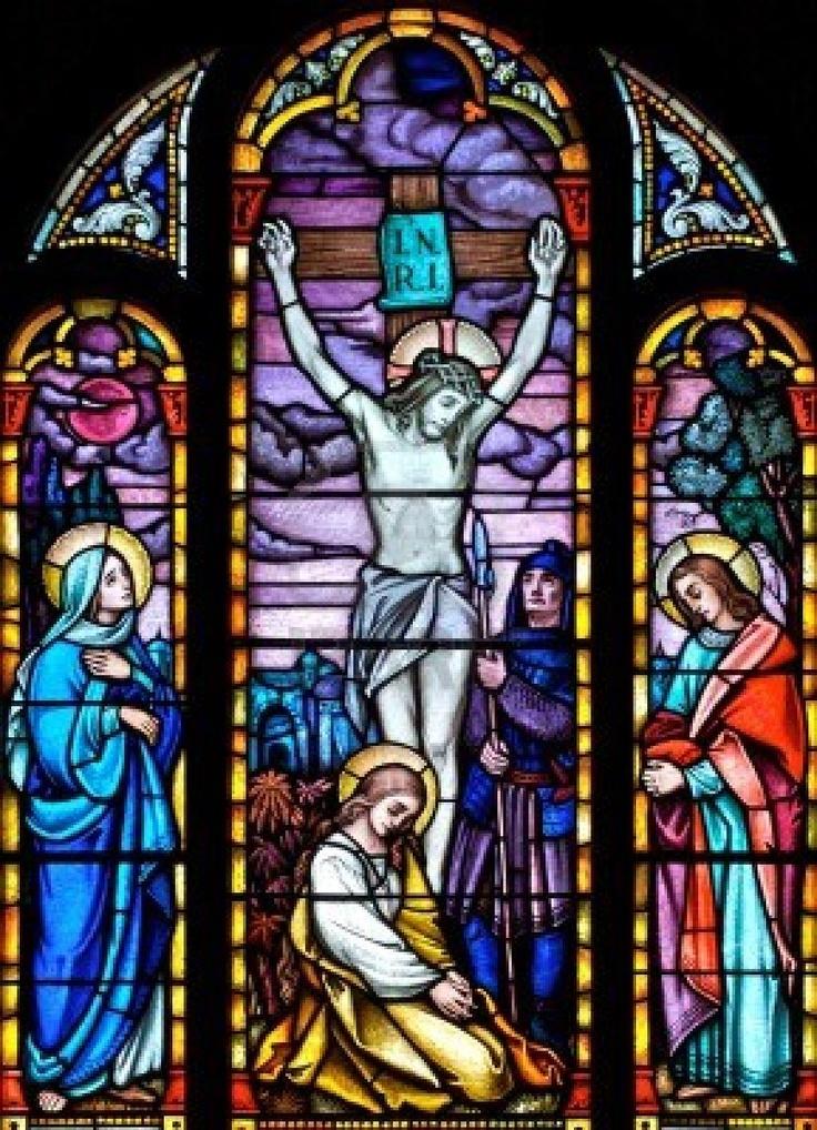 Google Afbeeldingen resultaat voor http://us.123rf.com/400wm/400/400/skylightpictures/skylightpictures1112/skylightpictures111200106/11651991-glas-in-lood-kerkraam-afbeelding-van-de-kruisiging-van-christus.jpg