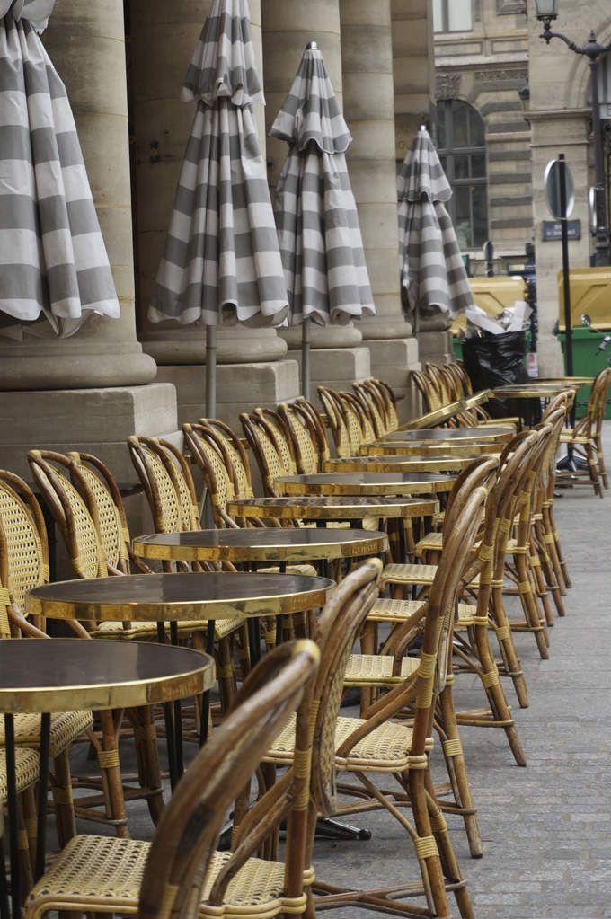 Restaurant Caf Ef Bf Bd Dans Un Jardin Paris