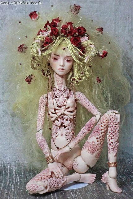 """""""venus of bone china"""" - marmite sue. 35cm tall, OOAK fine porcelain ball jointed doll inspired by indonesian and tibetan/mongolian bone and ivory carvings."""