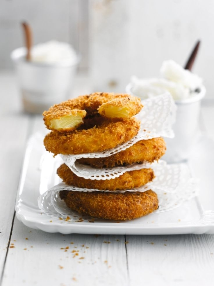 Ananasbeignets http://njam.tv/recepten/ananasbeignets
