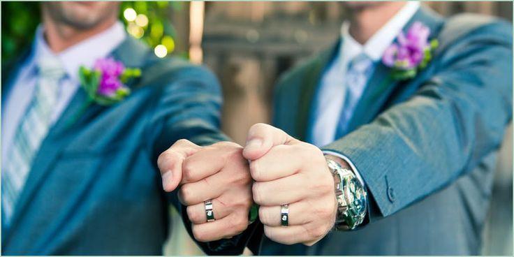Planejamento de casamento para casais homoafetivos  Os tempos mudaram e com eles as regras. Desde a oficialização do matrimôniohomoafetivo, muitos casais querem comemorar como outro qualquer. O que acontece é que muitos têm duvidas na hora de plane...