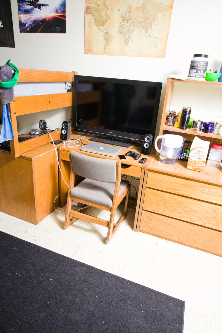 Pin By Montreat College On Dorm Life Diy Computer Desk