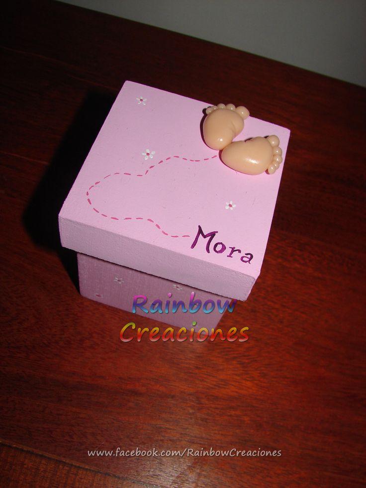 Souvenir de nacimiento. Cajitas de 6 cm x 6 cm x 6 cm Consultame por este u otros modelos en www.facebook.com/RainbowCreaciones