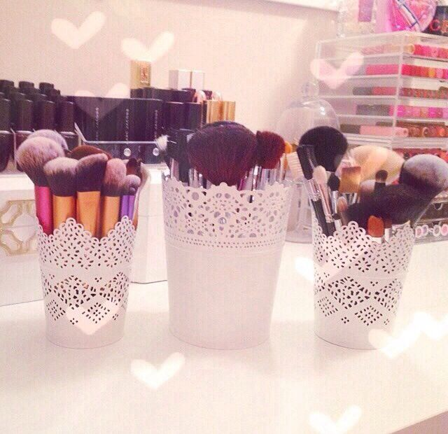 I have loads of these pots // You can use them for storing make up brushes, pens and pencils or use them properly as a plant pot