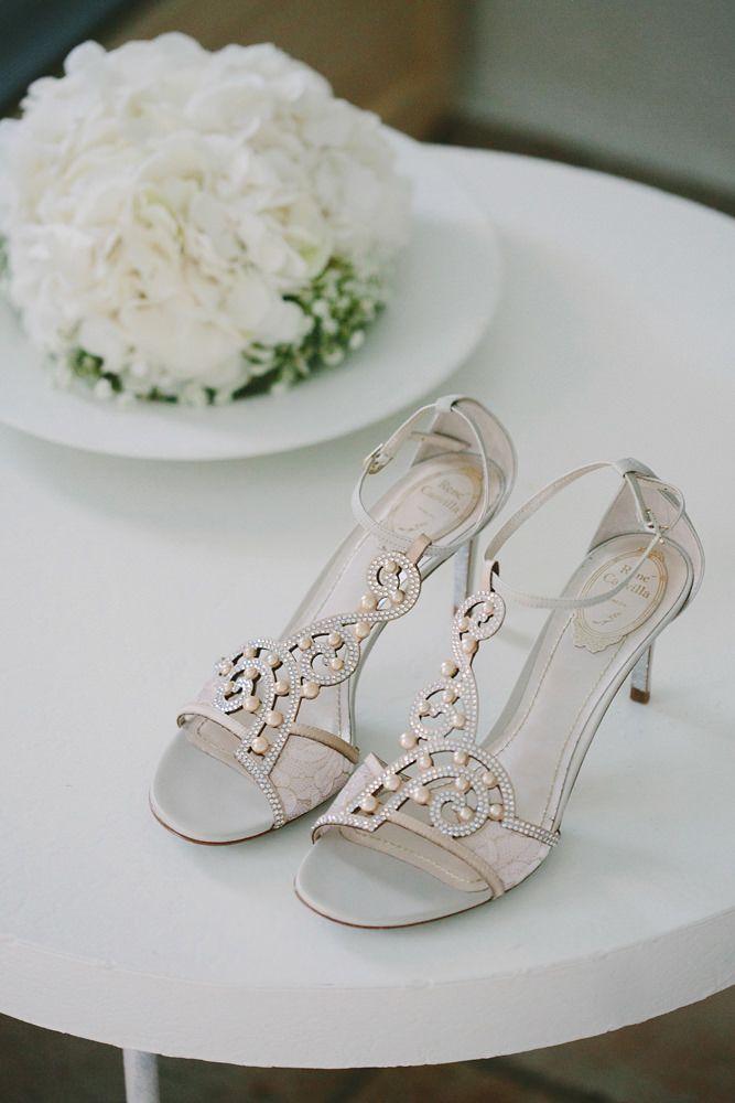 wedding bouquet & shoes.. wedding photography.. mykonos exclusive weddings