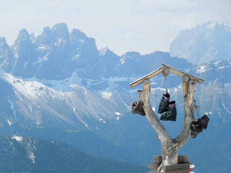 Hoch über Brixen - Blick von der Plose zur Geislergruppe.
