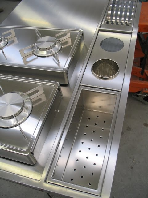 Piano cucina inox con canale attrezzato inox fatto a mano
