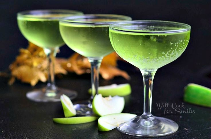 ~~Vanilla vodka makes this cocktail extra luscious. Get the recipe from Will Cook for Smiles.   - Delish.com~~