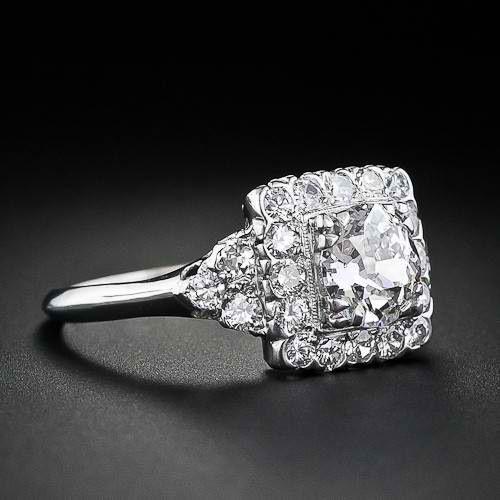 square cut diamond engagement ring, diamonds, a girl's best friend #uniqueengagementring #engaged #gettingmarried #weddings #engagementrings #diamondrings #diamondengagementrings #engagementandweddingringset #weddingrings #weddingplanning #squarecutengagementring