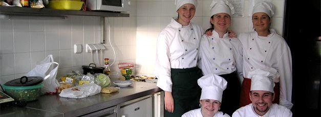http://www.sscrroznov.cz/ Střední škola cestovního ruchu a jazyková škola s právem státní jazykové zkoušky, s r o   #Rožnov #sscr #JiříHrdý #cestovka #turismus #wellness #masér #masáže #Valašsko #Beskydy