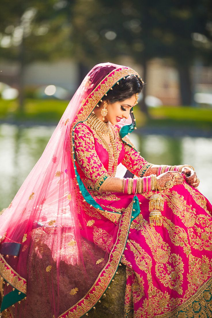 indian wedding photography design%0A Love hot pink for bridal outfits   even better when there u    s a bright  contrasting