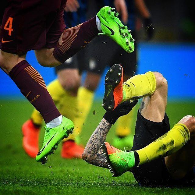 About last night  #icardi #argentina #naingolan #belgium #fight #inter #milan #roma #italy #italia #photooftheday #amazing #photo #seriea #nikon #igersitalia #igers #nike #shoes : @claudiovillaphotographer