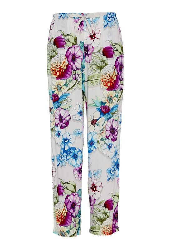 Floral Pj Pant Colour Floral Sleep so sweet in these floral print PJ pants. Features include a wide leg fit, elasticised waistband and drawstring fastening. Complement with a P.A classic tee for a complete bedtime look. Line Number 810878 Fabric 100% Viscose WOVEN VISCOSE CAMBRIC