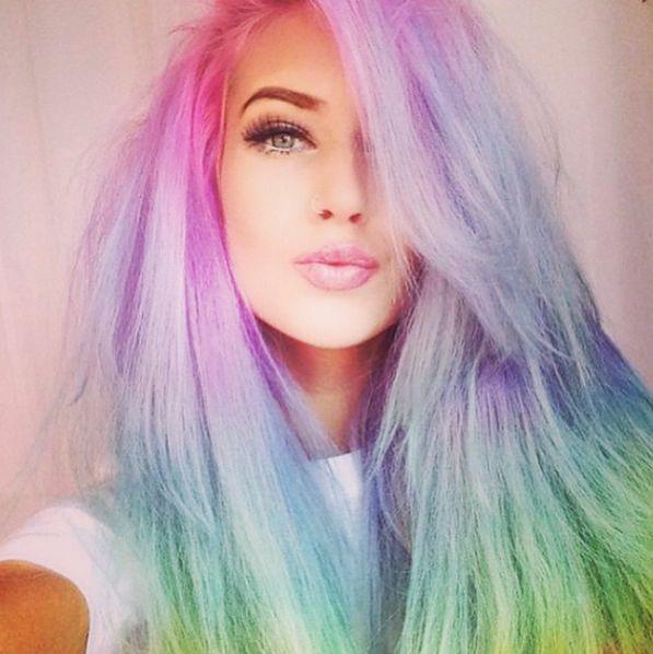 Un meraviglioso arcobaleno di capelli color pastello ti trasformeranno in una bellissima fata.  -cosmopolitan.it