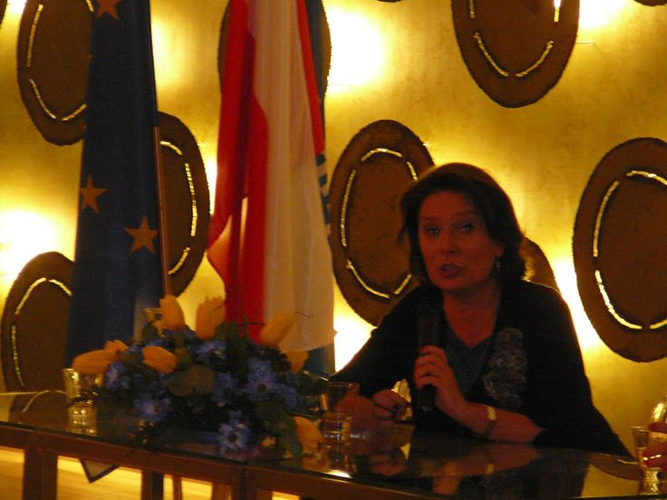 Pani Małgorzata Kidawa-Błońska - Marszałek Sejmu.