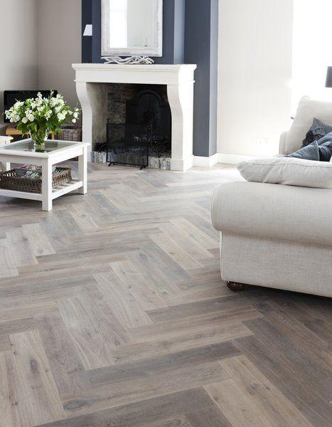Houten visgraat vloer via Uipkes vloeren