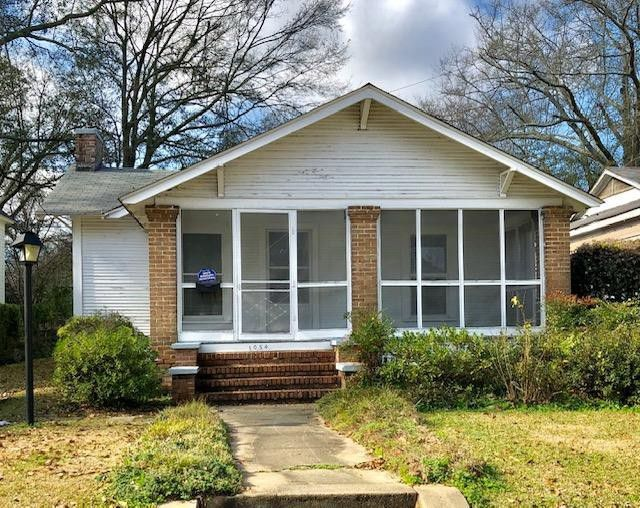1054 N 1st Ave Laurel Ms 39440 Renting A House Little Dream Home Little Houses