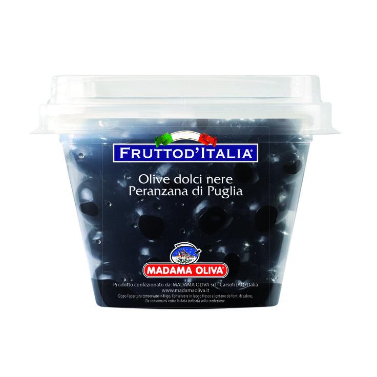 """La Peranzana, oliva tipica del territorio della Capitanata in Puglia, è una cultivar pura, non un ibrido ed è indicata come oliva da tavola di pregio. Il nome """"Peranzana"""" è una trasformazione di """"Provenzale"""". Questa varietà è idonea per la preparazione di olive nere dolci, ma anche """"alla Greca"""" al naturale, specialmente se si posticipa la raccolta per favorire l'annerimento e della polpa e il suo parziale addolcimento. Ideali con formaggi caprini freschi e per pizze e focacce o snack."""