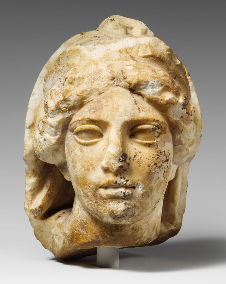 greek vs roman sculpture essays What are the characteristics of roman art a:  roman sculpture is mostly based on greek terracotta originals that, because of their material, do not survive today.