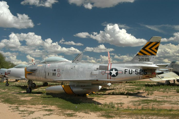 North_American_F-86_Sabre_53-1525