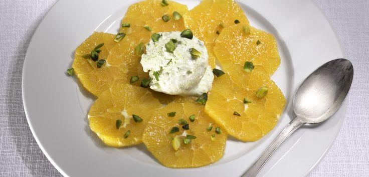 Semifreddo ai pistacchi su insalata di arance