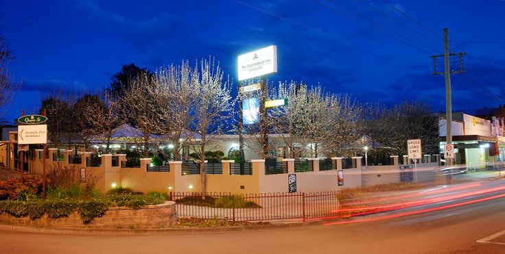 Roundabout Inn - Gloucester NSW is your classic friendly pub, offering pub-style accommodation with 15 rooms in a relaxed and inviting atmosphere. Roundabout Inn has newly renovated and refurbished rooms available from $89 per night all rooms are equipped with private ensuite.