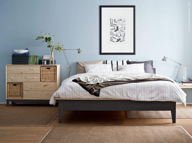 Med smak för trä och modern skandinavisk design NORNäS sängstomme, NORNäS byrå och svalkande
